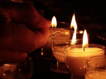 Beitragsbild von LED Kerze mit Timer und Fernbedienung